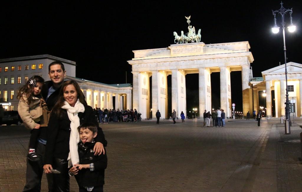 Night time at Brandenburg Gate