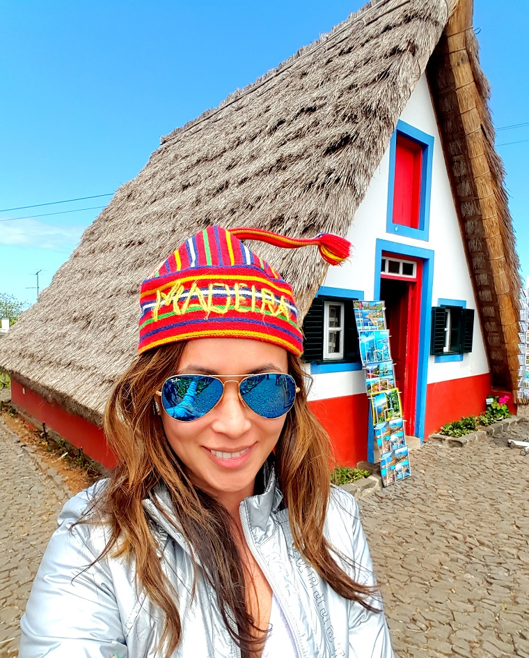 Me in front of Santana's famous triangular house:)