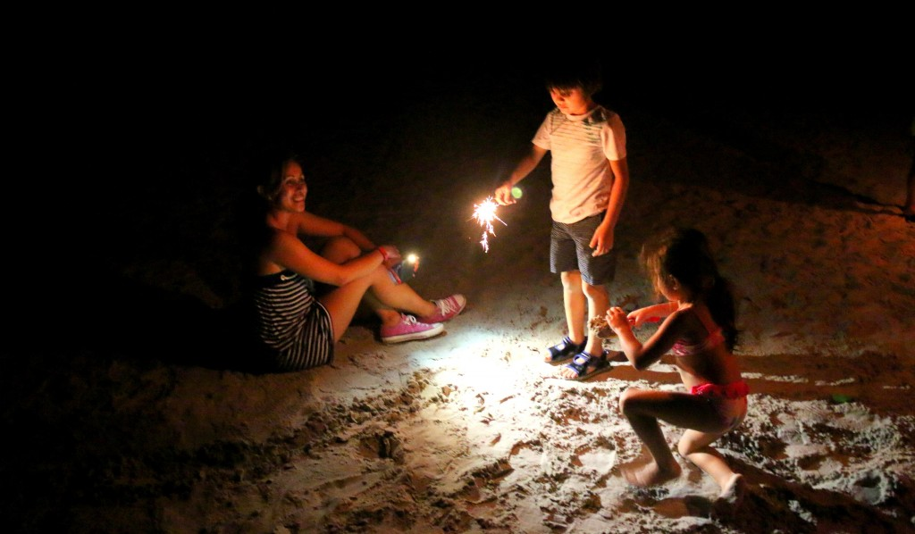 Kids 1st time to play with hand sparklers and they had fun:)